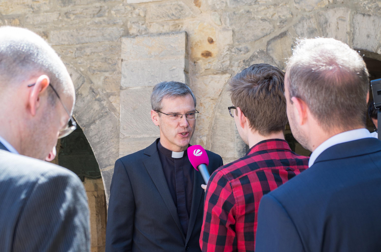Zukünftige Bischof von Hildesheim im Pressegespräch